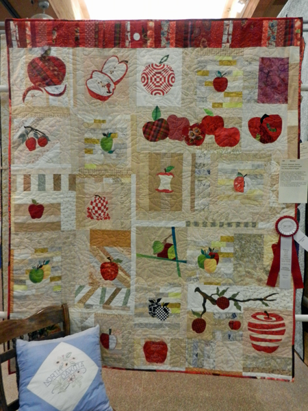 Every Kind of Apple; Quartz, quilted by Angel Quilters #108