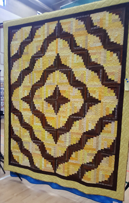 Happy Cabin, Malvina Jackson-Gray, quilted by Vicki Finchum